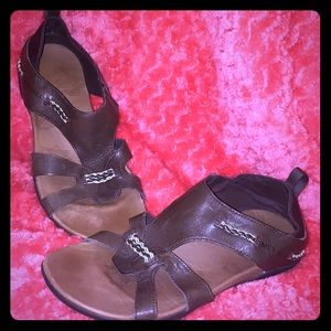 Merrell sandal excellent arch support for comfort